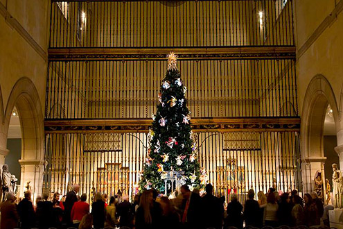 Christmas Tree and Neapolitan Baroque Crèche at the Met